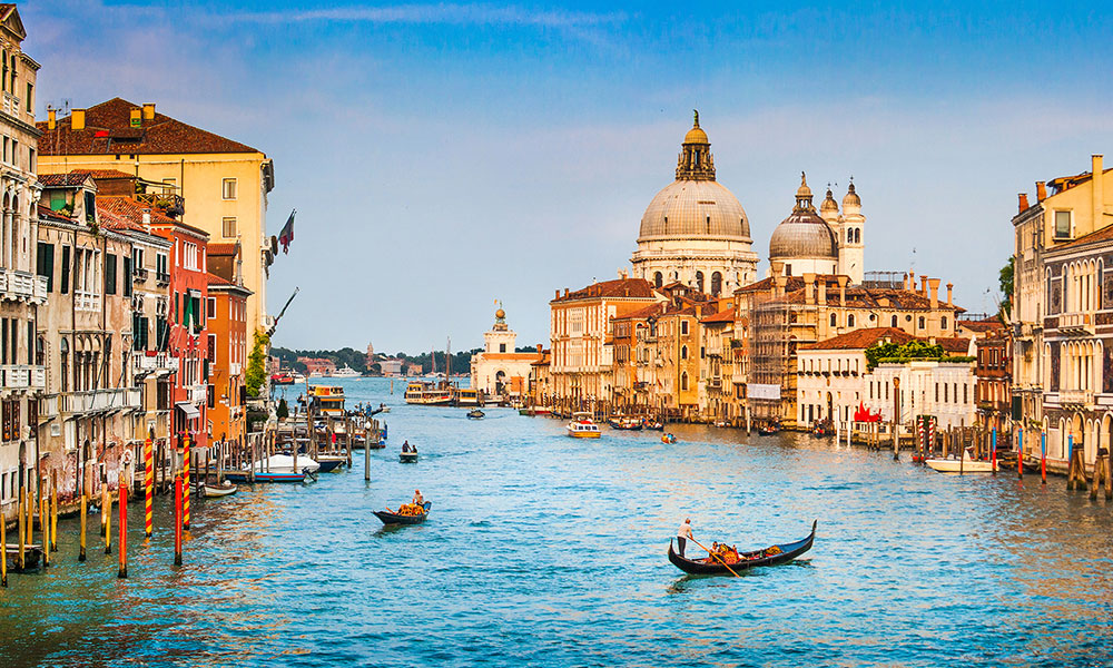 Car Hire Venice | DriveAway Holidays